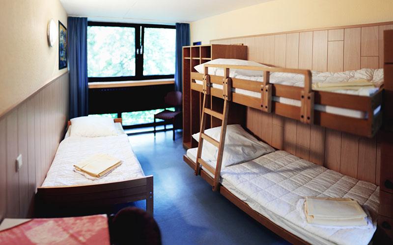 Etagenbett Jugendherberge : Ehrfürchtig arten von etagenbetten im hostel design « top