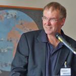 Reinhard Griep, Leiter der Jugendakademie begrüßt die Gäste