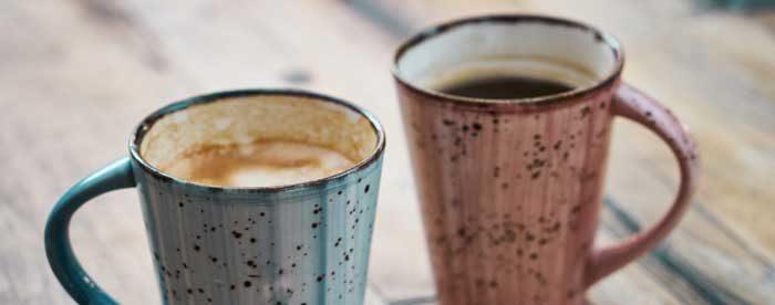 2 Becher Kaffee